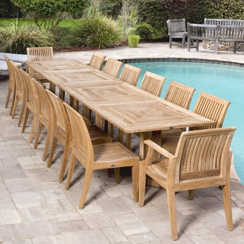 Grand Pyramid Dining Set for 14