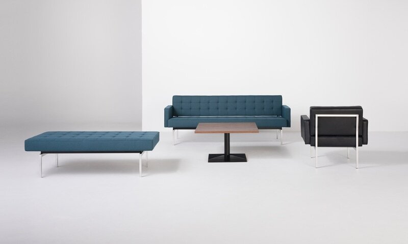 32 Collection Lounge