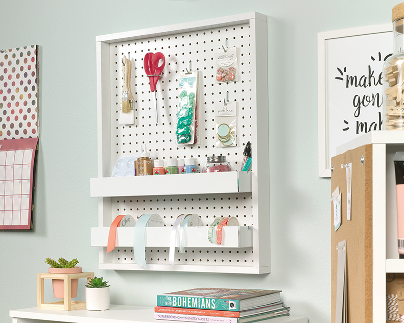 Craft Pro Series Wall Mounted Pegboard With Trays