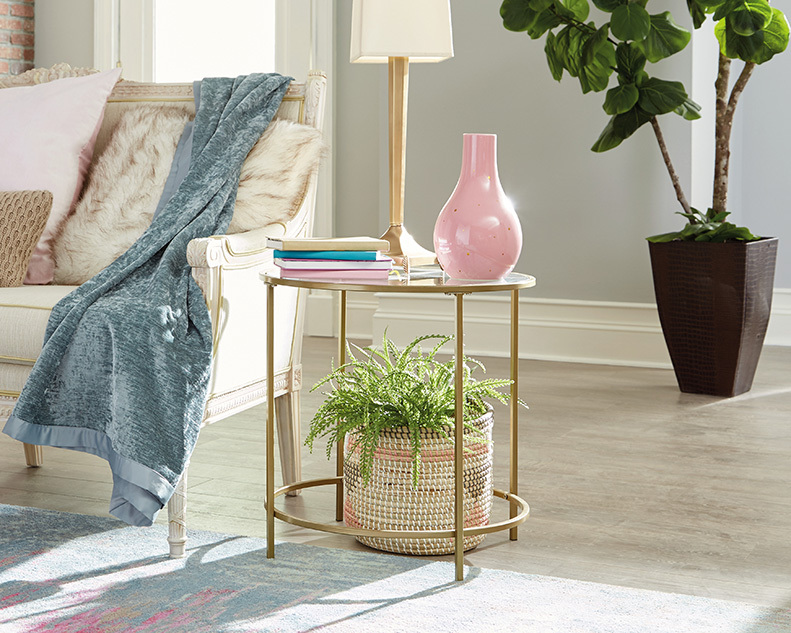 Curiod Round Side Table