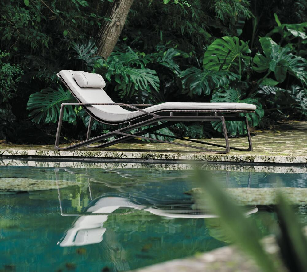 MORAY CHAISE