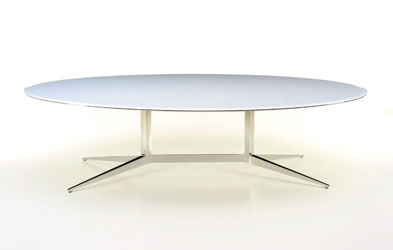 Dialogue Oval Table